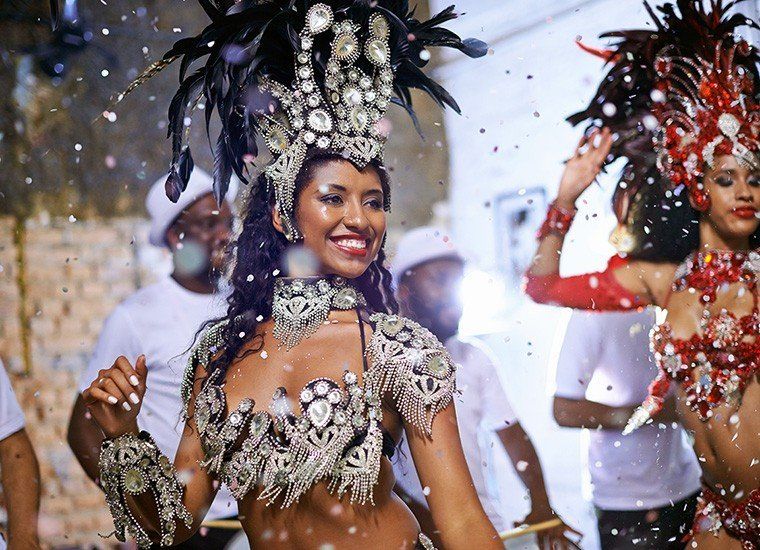 HOW TO MAKE THE BEST OF THE CARNIVAL IN BRAZIL